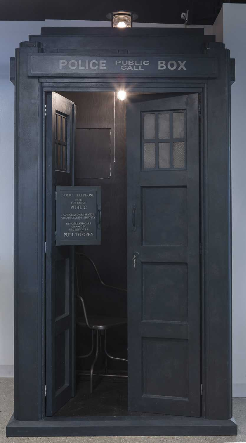 Dr Who tardis privacy phone booth